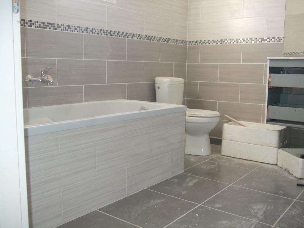 Petites annonces for Peinture carrelage salle de bain etanche